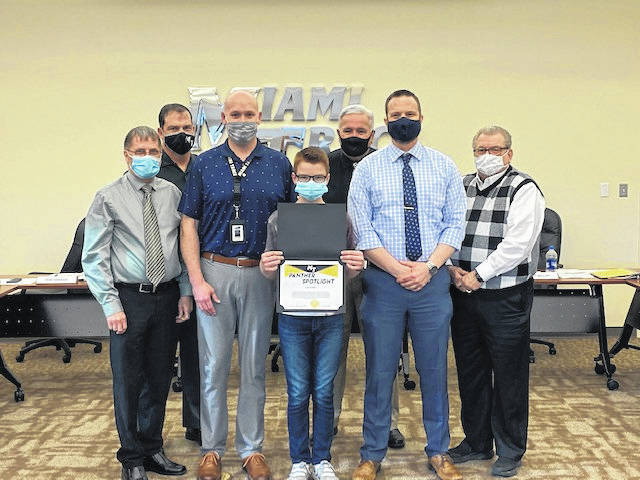 The Miami Trace Board of Education recognized sixth grader, Eyan Taulbee, during its meeting on Monday for his outstanding demonstration of the District TEAM expectations. He is pictured with the Miami Trace Board of Education and is flanked on each side by principals Justin Lanman and Jason Binegar.