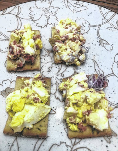 Amish egg salad on crackers