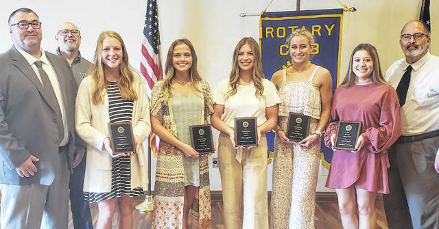 During the Washington Court House Rotary club meeting on Tuesday, five Miami Trace seniors were honored. Pictured (left-to-right) are: Miami Trace High School Principal Bryan Sheets, Rotary President Dr. Tom Bailey, Magarah Bloom, Kaylie Lott, Siara Eggleton, Olivia Fliehman, Hailee Schirm and City Manager Joe Denen.