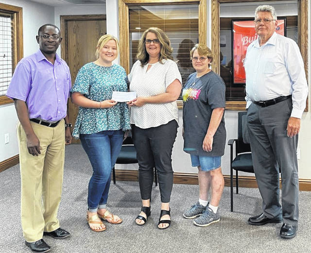 Earlier this month, First State Bank (FSB) of Washington Court House presented a check to The Fayette County Prevention Coalition (FCPC) in order to help fund the Youth-Led Coalition scholarships. Pictured are: (left-to-right) Godwin Apaliyah, FCPC Youth Outreach Coordinator Maddi Wallace, FSB Banking Center Manager Karen Cassidy, FCPC member Jennifer Husby, and FSB Regional Relationship Manager Mark Richards.