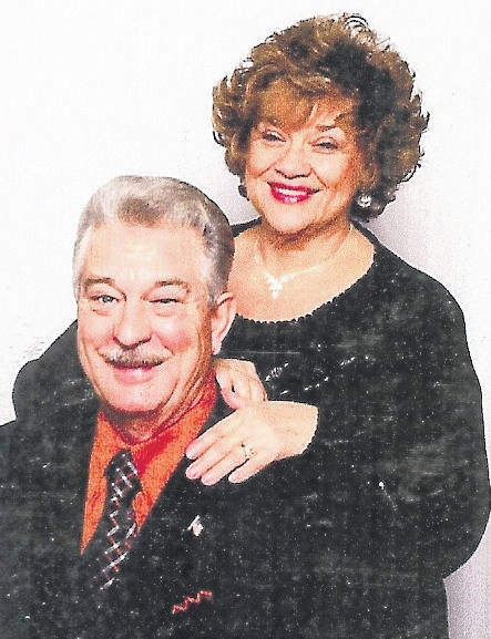 Betsy Brady will perform at Rose Ave Community Center/Heritage Church this evening. She is pictured with Jim Brady.