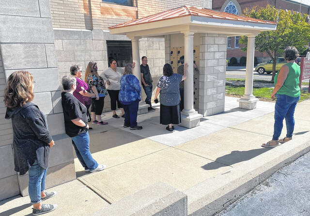 Carnegie Public Library staff recently held training for the new lockers located in front of the library. The lockers are now an option for picking up library materials any time of the day.