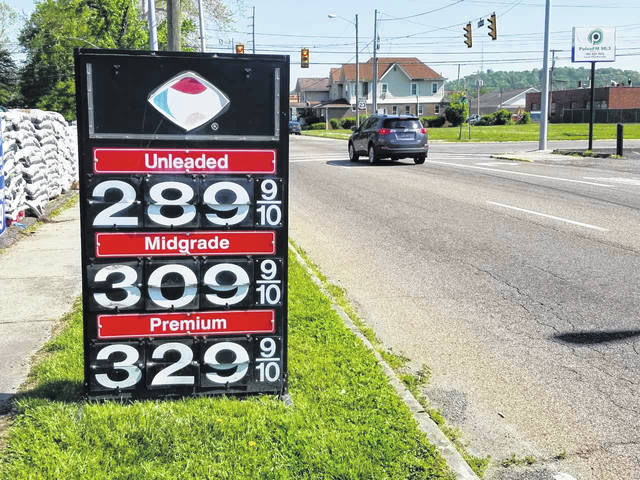 As vacationers hit the road, they will find a quarter (25 percent) of all gas stations across the country are selling gas for more than $3 per gallon. That is a stark difference from a year ago when only 5 percent of stations touted the $3 or more mark.