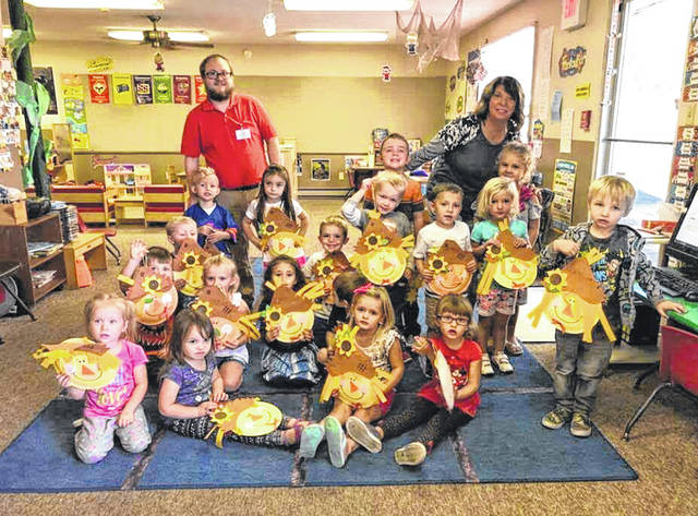 The Activity Directors from Edgewood Manor of Lucasville Visited Northwest Headstart. The staff & kids made scarecrow crafts together, snacks were also provided. Pictured with the kids are Directors, Janell Hiles from Lucas 2 and Jonathon Stevens from Lucas 1.