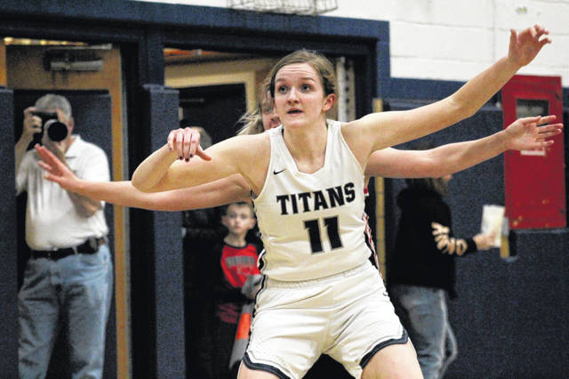 Notre Dame's Katie Dettwiller scored 21 points and added 16 rebounds in Monday's 58-35 win over Oak Hill.