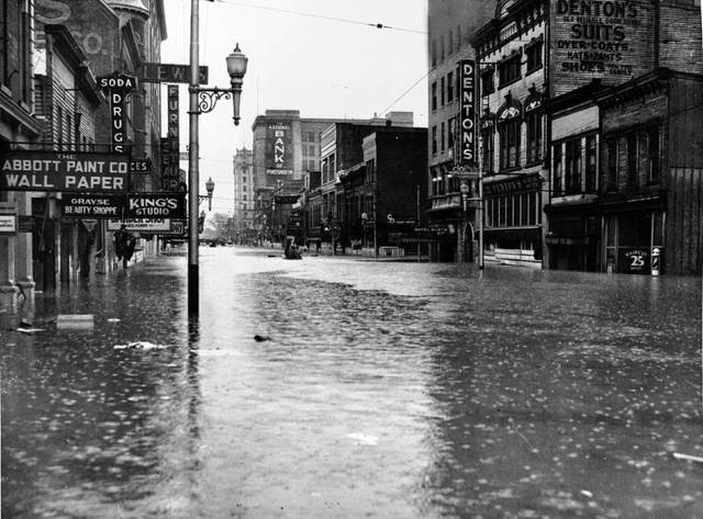 Downtown Portsmouth during the 1937 Flood.