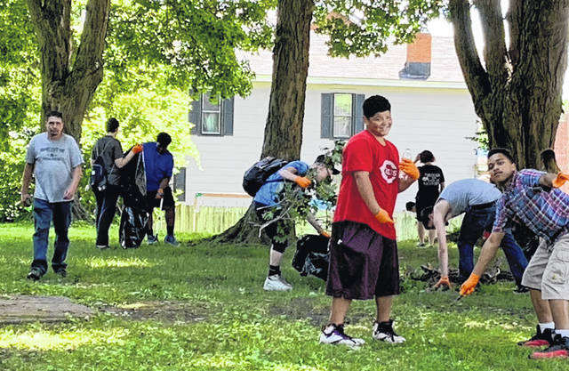 A group of the youth that was cleaning in Mound Park for ServeOhio Day.