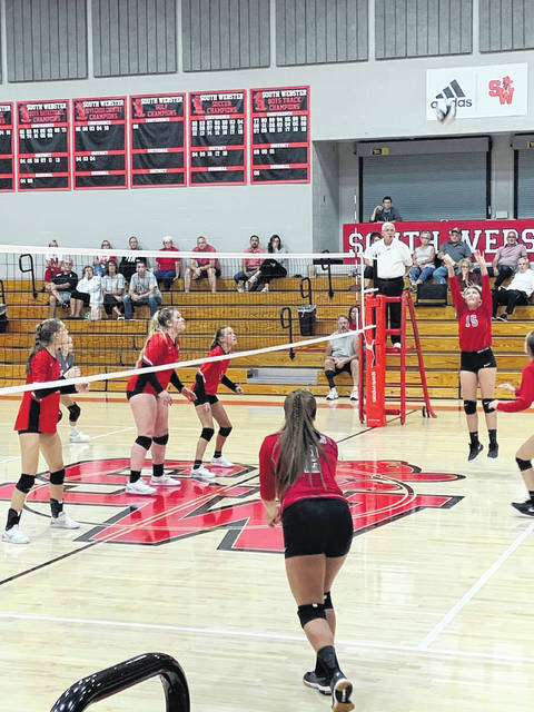 South Webster defeated Minford in four sets during their SOC match Thursday night on the Jeeps home court.