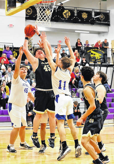Notre Dame sophomore Jarren Edgington (45) scored 17 points in the Titans' 57-53 win over Rose Hill Christian (Ky.) on Saturday.