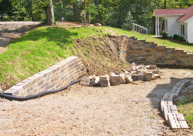 Fort Meade Retaining Wall and Garden Wall Construction