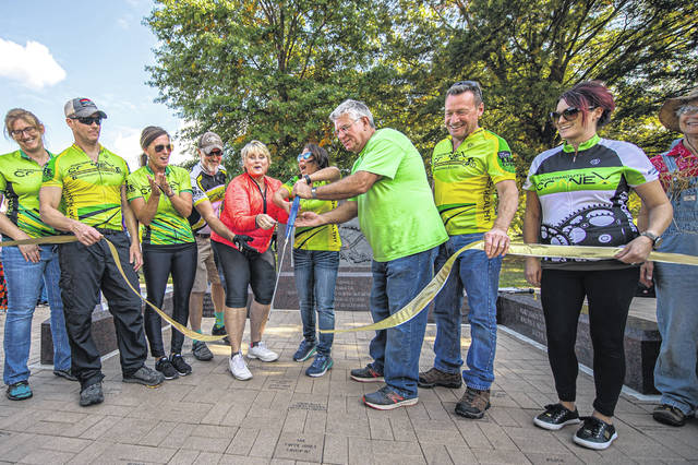 October 20, 2019, the Connex group was cutting the ribbon to dedicate the new Mound Park Donor Plaza & Activity Path to the city of Portsmouth and the community.