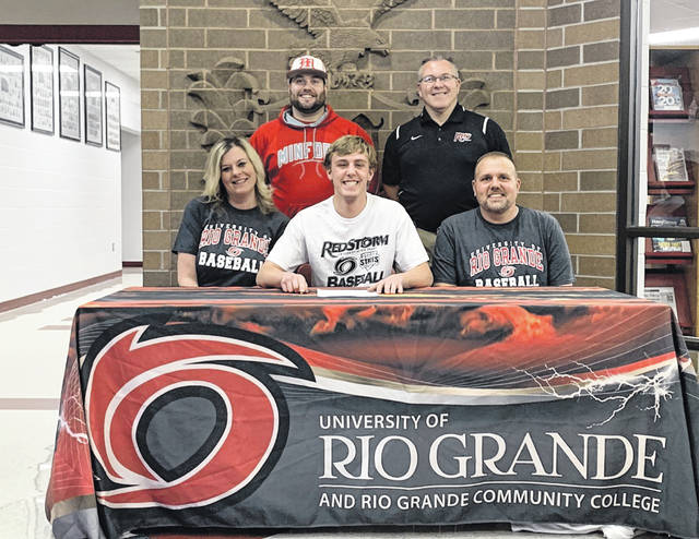 Minford senior Nathan McCormick (center) signed his letter of intent to join the baseball team at the University of Rio Grande beginning in the '20-21 academic year.