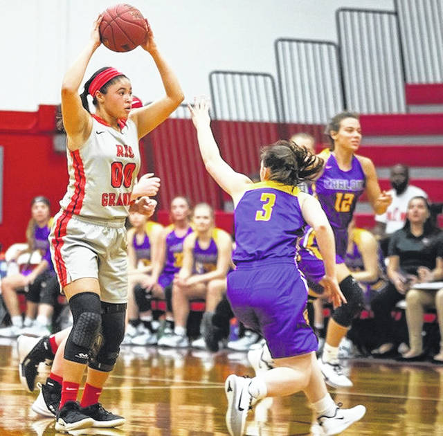 Women's basketball standout Sydney Holden, from Wheelersburg, has been named the University of Rio Grande's Female Athlete of the Year for the 2019-20 academic year.