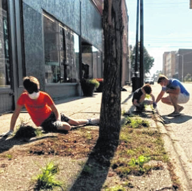 Volunteers showed up by the dozens to help Friends of Portsmouth in their first-monthly Portsmouth Cleanup Day event of 2020.