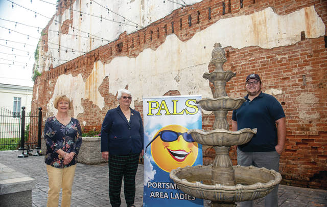 Main Street Portsmouth has received a grant of $1,100 from PALS, Inc. volunteer women's organization,