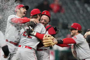 Reds' Miley throws season's 4th no-hitter