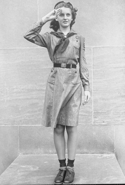 A photo of what a Girl Scout uniform looked like in the 1930's.