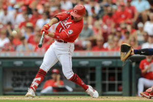 Reds best Twins for series split
