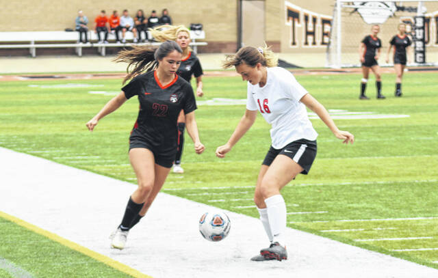 Wheelersburg sophomore Bella Miller's (22) goal with 13:16 left in their win over Alexander gave the Lady Pirates some added cushion.