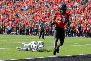 Ford's 4 TDs lead No. 3 UC over UCF