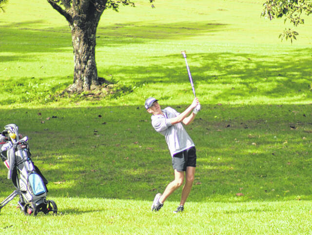 Oak Hill senior Kameron Maple captured medalist honors and the Southeast District Division II boys golf individual championship on Wednesday with a 74 at Crown Hill Golf Club.