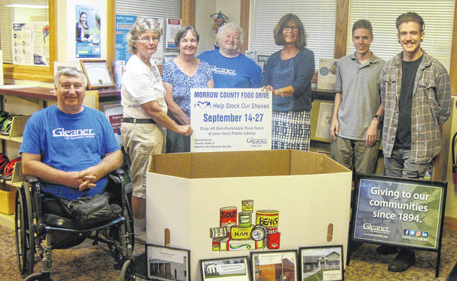 Planning the Community Food Drive planned for September are, from left, Dick Noll, Jean Smith, Dixie Shinaberry, Deb Noll, Joanne Trainer and Ian Ferguson and Marc Wells with the Cardington-Lincoln Public Library.
