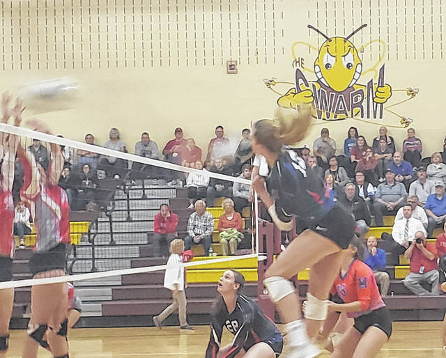 Highland's Raina Terry tallied 14 kills on Wednesday, as the Scots topped London to advance to the district finals.