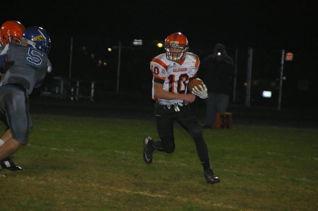 Kyle Shaner/Civitas Media Bradford quarterback Andy Branson runs with the ball Friday night.