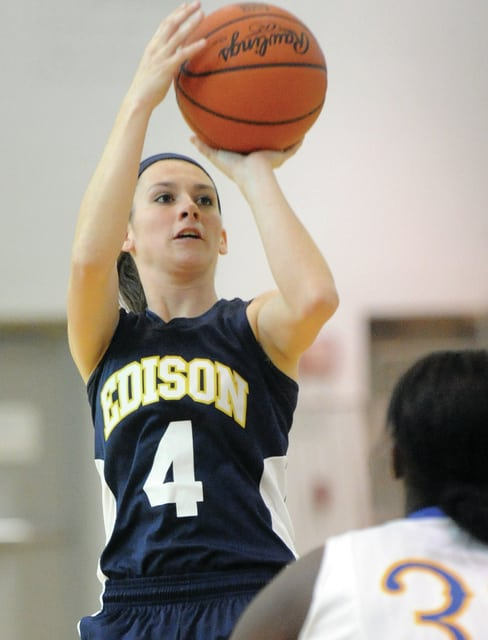 Mike Ullery/Daily Call Brooke Dunlevy, 4, fires a jump shot for Edision. Dunlevy is a graduate of Bradford High School.