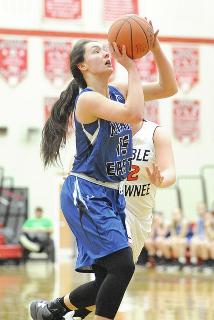 Anthony Weber/Troy Daily News Miami East's Kyndall Hellyer pulls up for a jumper Saturday against Preble Shawnee.