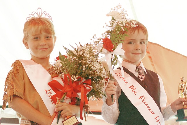 Anthony Weber | Civitas Media Lindsey Willoughby, daughter of Doug and Angie Willoughby, of Pleasant Hill, and Warren Serey, son of Kevin and Alyssia Serey, of Pleasant Hill, were pronounced Little Miss and Mr. Pleasant Hill during the pageant at the Sesquicentennial celebration Saturday in Pleasant Hill.