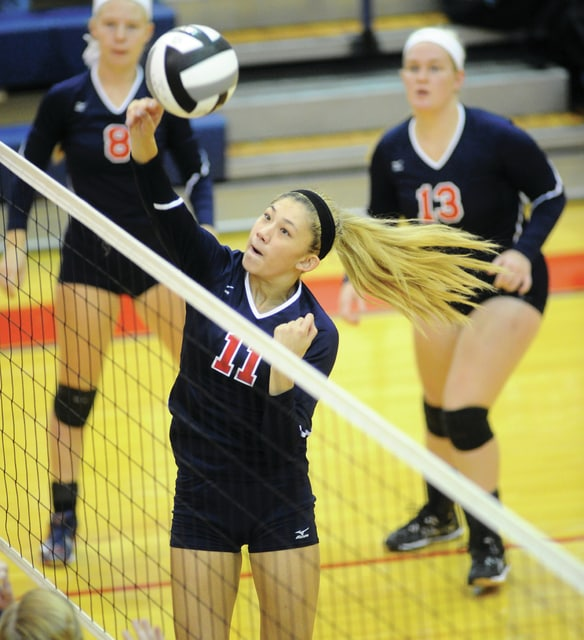 Mike Ullery | Daily Call Ashley Ho, 11, looks to score for Piqua.