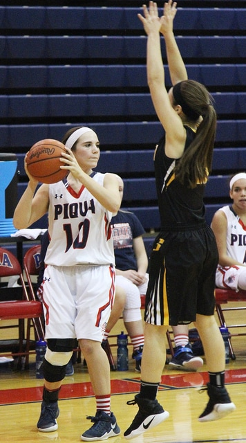 Luke Gronneberg/Civitas Media Piqua's Kelsey Magoteaux looks to make a move against Sidney Wednesday night.
