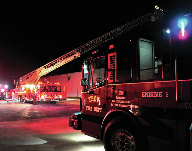 Mike Ullery | AIM Media Midwest Fire crews respond to a fire at Troy Carstar on Kings Chapel Drive.