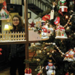 Weekend welcomes holiday shoppers