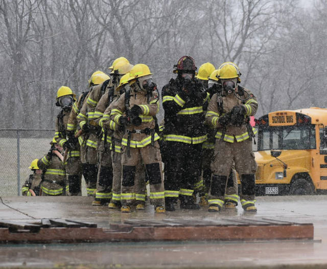 Miami Valley Career Technology Center (MVCTC) Firefighter/EMS seniors recently participated in a training that taught them how to deal with ruptured and burning natural gas lines. The training took place at the Dayton Fire Department Training Center.