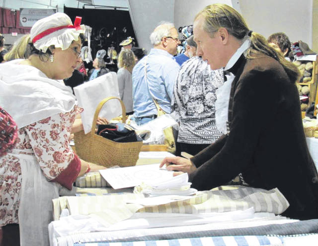 Submitted photos Paul Dickfoss explains pros and cons of various patterns at a previous show.