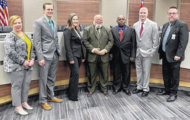 Scott Halasz | Greene County News Xenia City Council met for the first time in 2020 on Jan. 9. The group featured two new members (Cody Brannum and Rebekah Dean), one who previously served (Thomas Scrivens), and one who was reelected (Dr. Edgar Wallace). Pictured are Mayor Sarah Mays, Levi Dean, Rebekah Dean, Wallace, Scrivens, Brannum and Wes Smith.