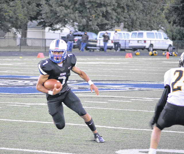 Tremell Wright rushes for the Buccaneers.