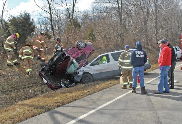 2 killed in Friday wreck - Times Gazette