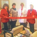 New physician office holds ribbon-cutting