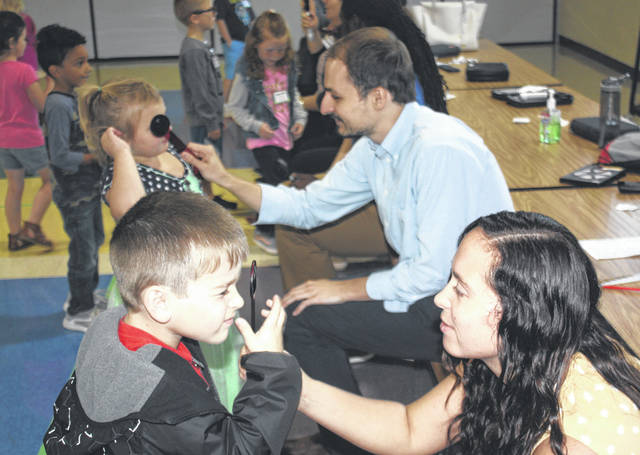 Ohio State University third-year optometry students screened kindergarten students in the Greenfield Exempted Village School District. The screenings were sponsored by the Greenfield Lions Club.