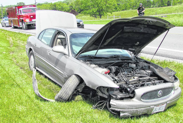 An unidentified woman sustained minor injuries following a one-car crash Wednesday on SR 124, one-half mile northwest of Shamrock Lane near the Marshall Township line.