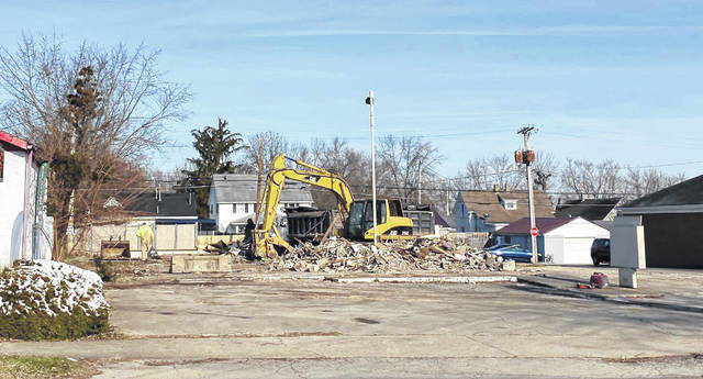 Demolition on the Greenfield building that once housed KFC and Taco Bell began on Thursday and was expected to be completed on Friday, Mel McKenzie, the spokesperson for Bagshaw Enterprises, told The Times-Gazette.