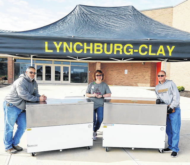 The Lynchburg-Clay cafeteria staff, with the help of building custodians and resource officers, are continuing to provide thousands of meals each week to the children in the area during the extended closure. Distribution for children ages 18 and under occurs on Mondays and Wednesdays from 10 a.m. to noon in front of the elementary school. If your child is not currently participating but would like to be added to the list, call the Lynchburg-Clay Board Office at 937-364-2338.