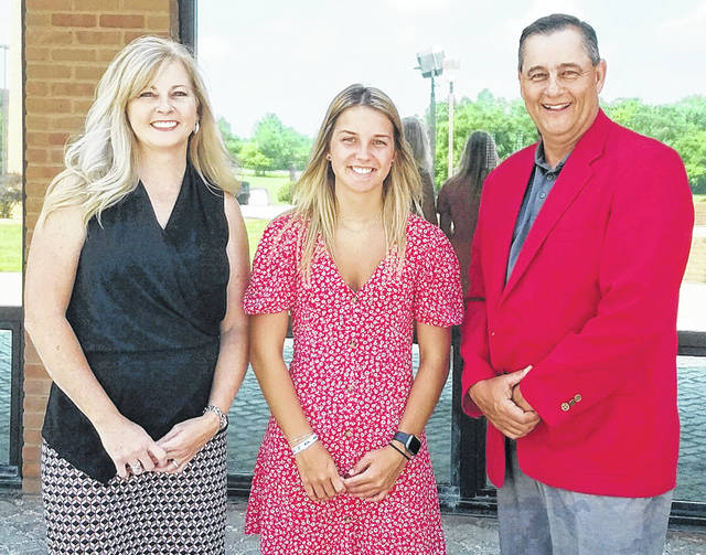 Dr. Nicole Roades, SSCC vice president of academic affairs (left), Phil Loudin, Hillsboro elks grants and scholarship coordinator (right), are pictured with 2020 Hillsboro Elks Scholarship recipient Jordan Williamson.