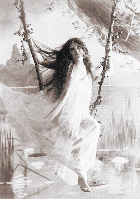 The Baker Art Gallery, where former Hillsboro and Greenfield photographer John Zimmerman Folk eventually landed, offered a variety of art prints, this one of Ophelia, to decorate homes.