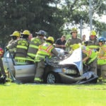 Sheriff investigate 3-car wreck on 571