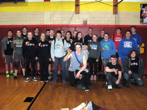 The Tri-Village boys finished fifth out of eight teams and the Tri-Village girls finished sixth out of eight teams on Saturday at Springfield Northeastern's Top Gun Powerlifting Meet.