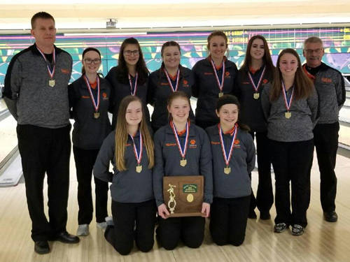The Versailles girls bowling team won its first Ohio High School Athletic Association district championship last week and now wants to win a state championship.